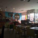Photo de Flirt Cafe Bar