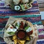 Empanadas z cukinią i czerwoną cebulą; Burrito z kurczakiem