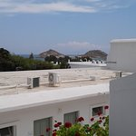 Amplia habitacion con balcon y vista al mar