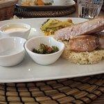 Steak d'espadon et son riz, fleur de sel, sauce chien, sauce normande.