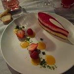 Compotée de fraises, Emulsion aux fraises Sur un biscuit madeleine