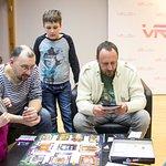 С детьми можно играть не только в виртуальные, но и реальные игры