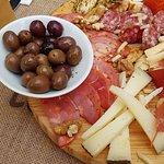 Tábua Time To , enchidos e queijo