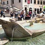 Fontaine de la Barcaccia Place DI Spagnia
