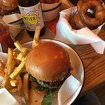 Foto de Honest Burgers - Camden