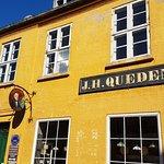 Billede af Quedens Gaard Café og Krambod