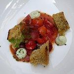 foccacia, tomate cerise et mozzarella di buffala