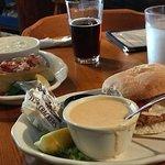 The Thirsty Whale Tavern照片