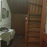 interior do local escada do interior