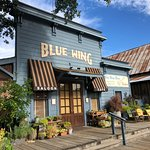 Foto Blue Wing Saloon & Cafe