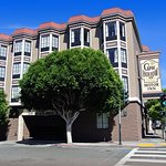Cow Hollow Inn and Suites Image