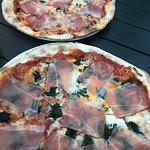 Pizza Padrino, Pizza Spinacci Brutál finom pizza, nagyon kedvező áron! Aki Egerbe jár, KÖTELEZŐ