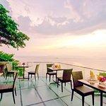ภาพถ่ายของ Larn Thong & Terrace