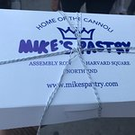 Bild från Mike's Pastry