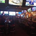 Speakeasy Bar & Grill照片