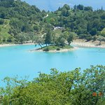 Il lago con l'isoletta