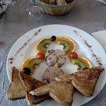 Foie gras aux kiwis et aux oranges