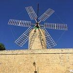 Foto de Ta' Kola Windmill