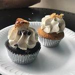 Frost Me Gourmet Cupcakesの写真
