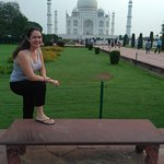 Hi Greeting From Taj Mahal Tour Guide Family Group This is our client in Taj Mahal.