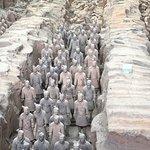 Foto de Guerreiros e Cavalos de Terracota do Museu de Qin