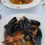 Linguine de Naples aux fruits de mer et linguine de naples au gambas décortiquées