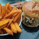 Hamburguesa de carne de cerdo asada