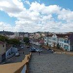 ...cidade vista do alto da escadaria da igreja das Mercês