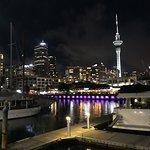 Viaduct Harbour resmi