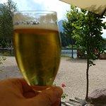 Una birra con vista lago