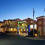Holiday Inn Express Albuquerque (I-40 Eubank)