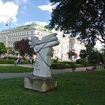 Rudolf Moratti Sculpture照片