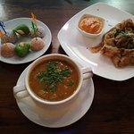 Индийский пряный суп «Дал»; Ладду/бурфи; Слоеная лепешка