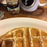 The oat waffle is delicious!!