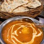 Butter chicken & garlic naan. So good!!!