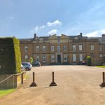 Upton House and Gardens resmi