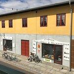 Nye butikker (utstilling) åpner stadig i Valby langgade!