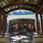صورة فوتوغرافية لـ Sierra Nevada Brewing Co. Taproom