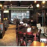 lynchs-irish-tavern-interior_large.jpg