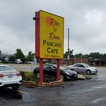 Rise N Dine in Wheeling, Illionis