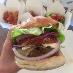 Bin 4 Burger Lounge의 사진