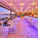 Mumi Cafe & Beach