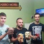 """Picadero motel"""