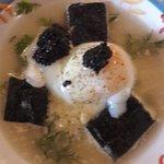L'oeuf parfait, risotto de pomme de terre façon maki, caviar de hareng et bouillon de crustacés