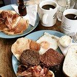 صورة فوتوغرافية لـ The Bluebird Cafe