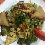 Salat mit Mangodressing