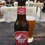 Zermatt Bier im falschen Glas