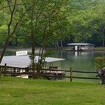 Lakeshore Resort ภาพถ่าย