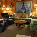 #4 The Rustic Lodge Living room