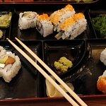 Bento Asian Kitchen + Sushi照片